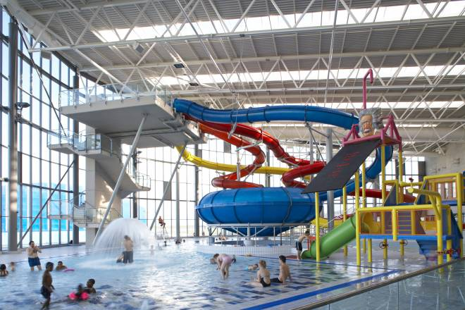 Space place - London swimming pools with slides ...